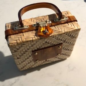 Vintage 1960s Lesco Lona wicker lucite bag